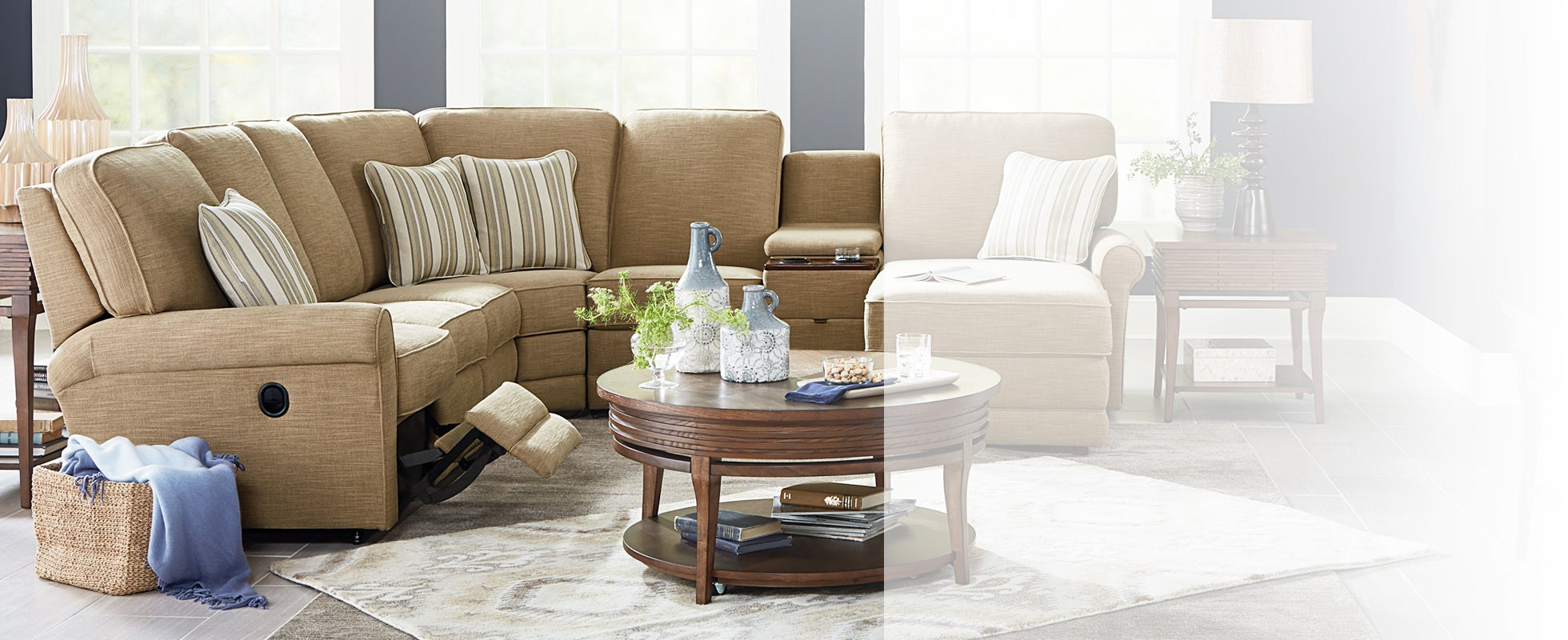 Leather Sectional Sofas & Couches | La-Z-Boy