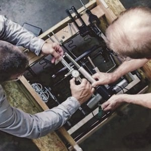 Maker assembling reclining mechanism