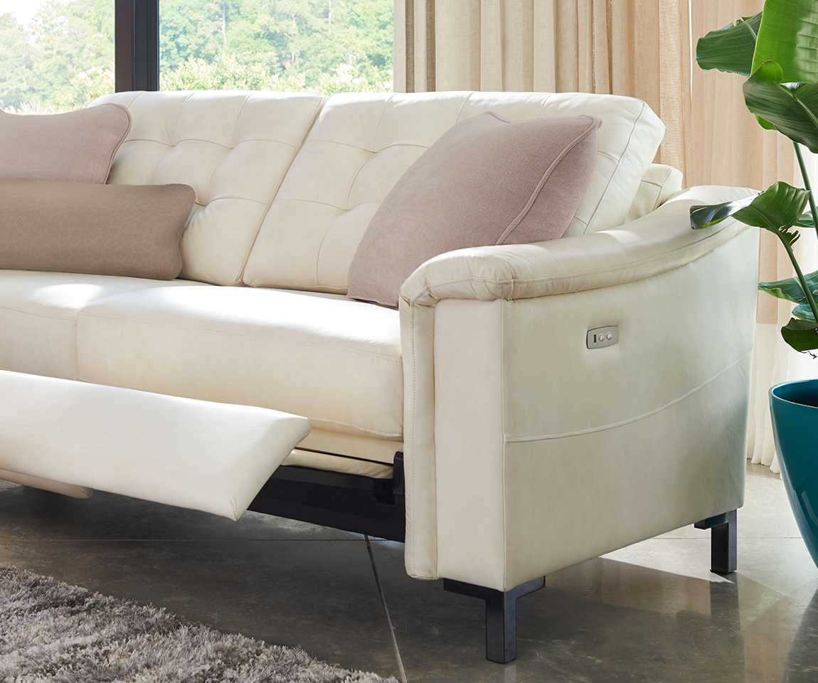 Luke duo® Reclining 2-Seat Sofa with leg rest partially extended