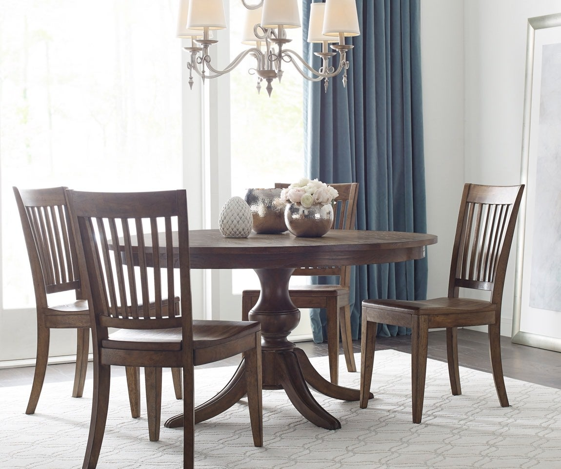 Dining room with round table and chairs