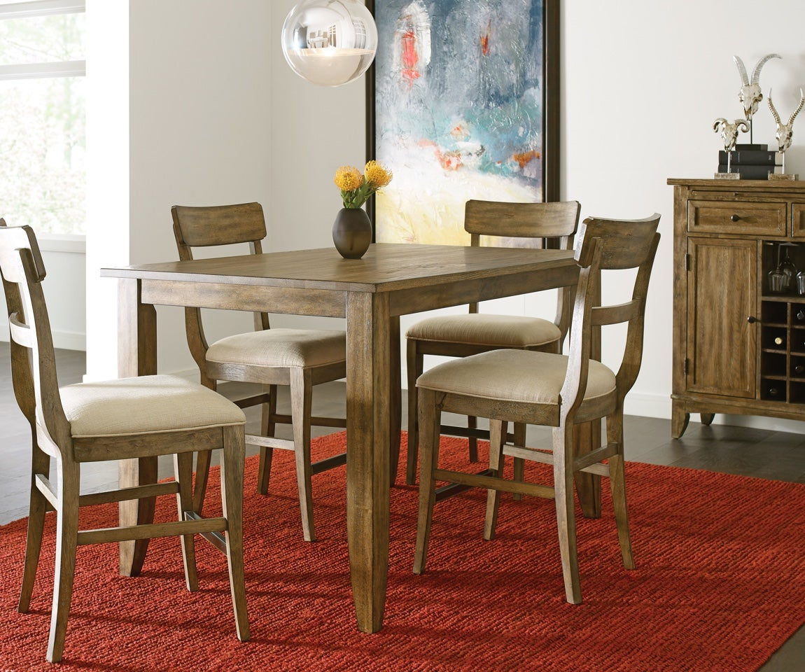 Dining room with rectangular table and chairs