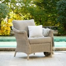 Laurel Lounge Chair w/ Natural Tan Cushion